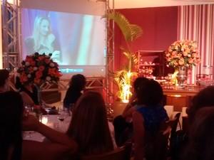 Vídeo exibido no evento homenageou a conquista feminina (Foto: Ariane Marques/G1)
