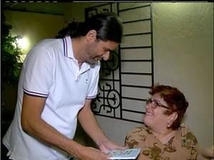 Tetraplégica com leitor em Campos dos Goytacazes.  (Foto: Reprodução / Inter TV)