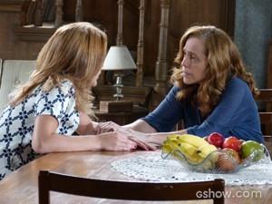 Vera tenta consolar Anita  (Foto: Malhação / TV Globo)