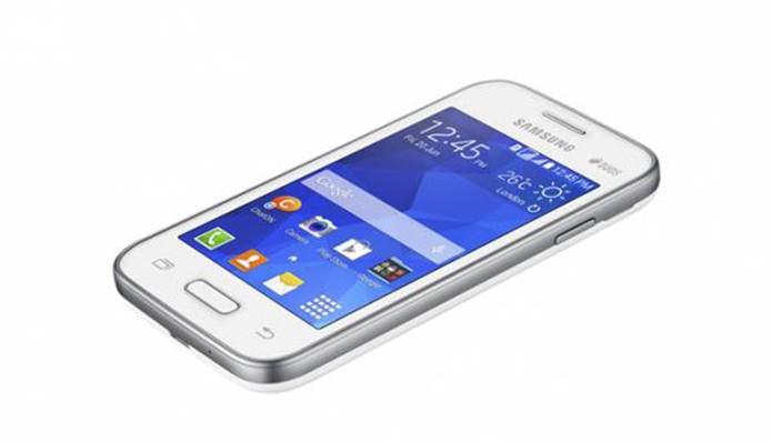 Galaxy Star 2 tem 3,5 polegadas e chega equipado com Android 4.4.2 KitKat (Foto: Divulgação/Samsung)