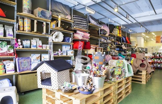 As caminhas na loja são feitas  com tecidos sem teflon, que segundo Fabiana pode ser tóxico ao longo do tempo (Foto: Christian Castanho)
