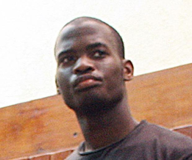 Michael Adebolajo ao ser preso no Quênia, em 23 de novembro de 2010 (Foto: AFP)