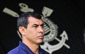 """Carille liga alerta no Corinthians e admite: """"Confiança deu uma caída"""""""