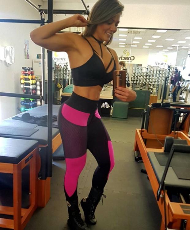 Fabiana Teixeira é conhecida pela boa forma (Foto: Reprodução/Instagram)