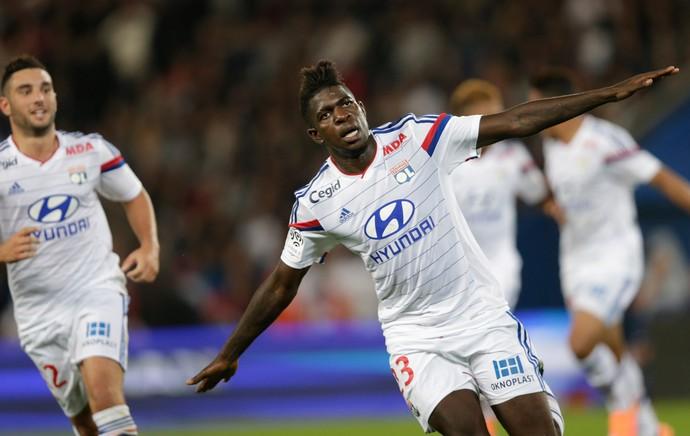 Umtiti gol Lyon (Foto: AFP)