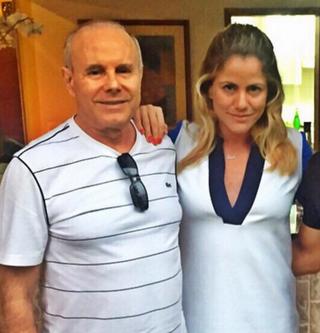 Guido Mantega e Marina, em foto do arquivo da família. Ela espera que o pai fique longe do governo  (Foto: álbum de família)