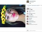 Suzanna Freitas faz selfie e seguidor diz: 'Posta foto com seu pai'