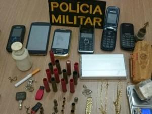 Suspeito foi aprendido com várias munições e objetos de furto e roubo (Foto: Site Alerta Rolim/reprodução)