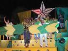 Primeira noite: escolas de Teresina trazem críticas e homenagens