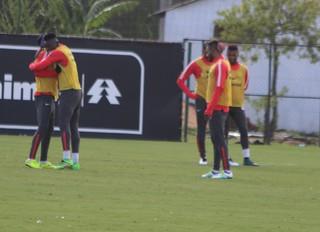 treino, Inter, Paulão, Vitinho, Fernando Bob (Foto: Tomás Hammes/GloboEsporte.com)