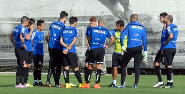 Jogadores treinam para manter sequência positiva contra o Cruzeiro (Foto: Leonardo Lourenço / reprodução Globoesporte.com)