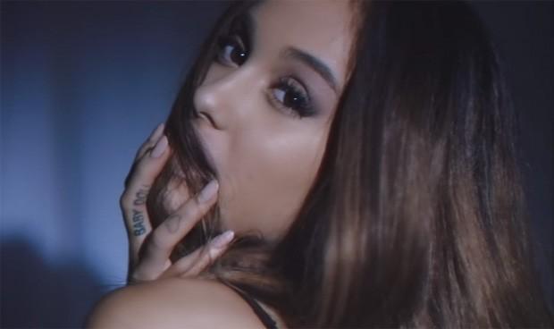 Ariana Grande no clipe de 'Dangerous woman' (Foto: Divulgação)