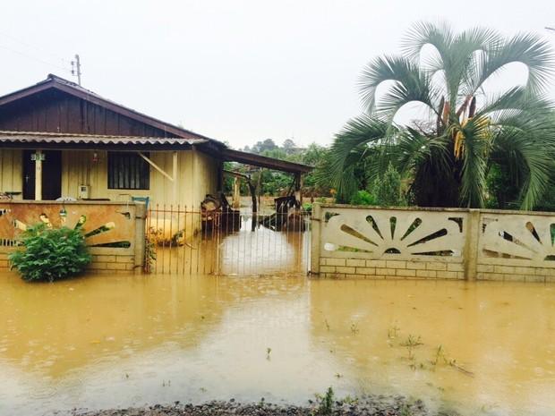 Alagamentos afetaram 480 pessoas em Três Barras, no Norte do estado (Foto: Defesa Civil/Divulgação)