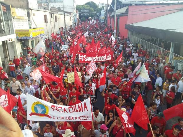 Passeata percorre rua do Centro (Foto: Geciola Fonseca/Arquivo Pessoal)