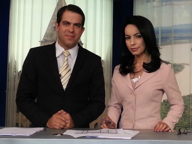 Délio Pinheiro e Maira Botelho apresentam o MG Inter TV 1ª Edição.  (Foto: Nicole Melhado / Inter TV MG)