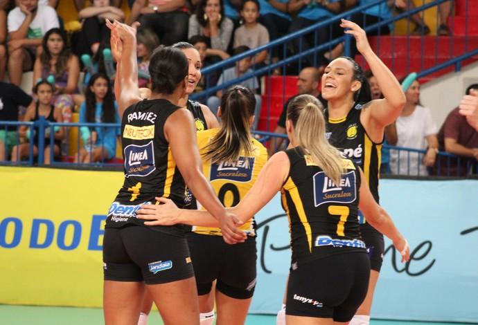 Praia Clube Pinheiros Superliga Feminina de vôlei  Uberlândia (Foto: Praia Clube/Divulgação)