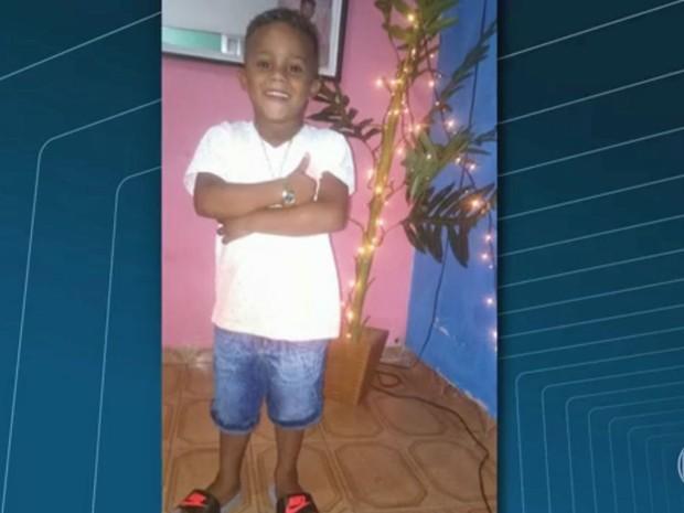 Menino Ryan tinha 4 anos e foi baleado na porta da casa da avó, em Madureira (Foto: Reprodução / Globo)