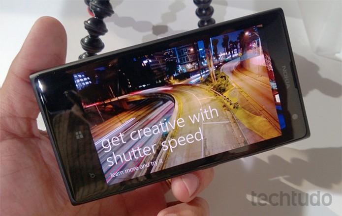 """Lumia 1020 e seu modo """"tutorial"""", que ensina a tirar melhores fotos com a câmera (Foto: Allan Melo / TechTudo)"""