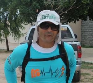 Caminhada começou a partir da ideia do professor de Educação Física, Reginaldo Luiz (Foto: Henrique Almeida)