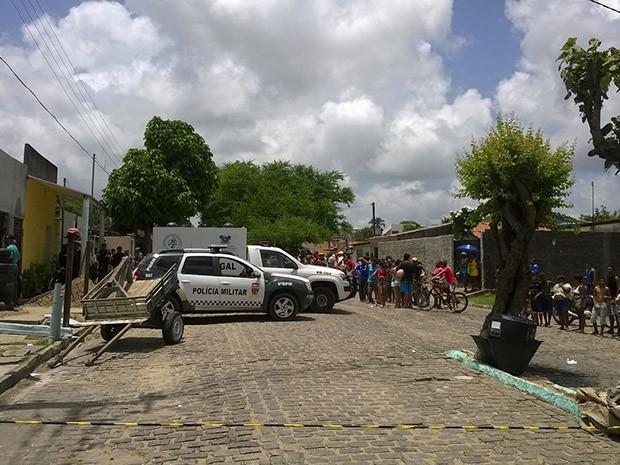 Dois homens morreram e dois foram presos em Felipe Camarão (Foto: Eduardo Rodrigues/Inter TV Cabugi)