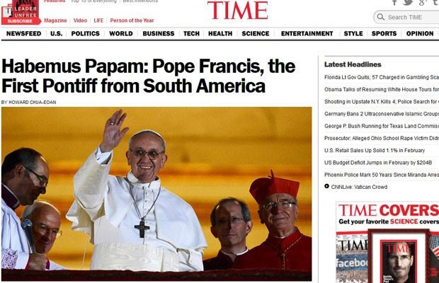 """O site da revista britânica """"Time"""" destaca o ineditismo da nacionalidade argentina do Papa Francisco I (Foto: Reprodução)"""