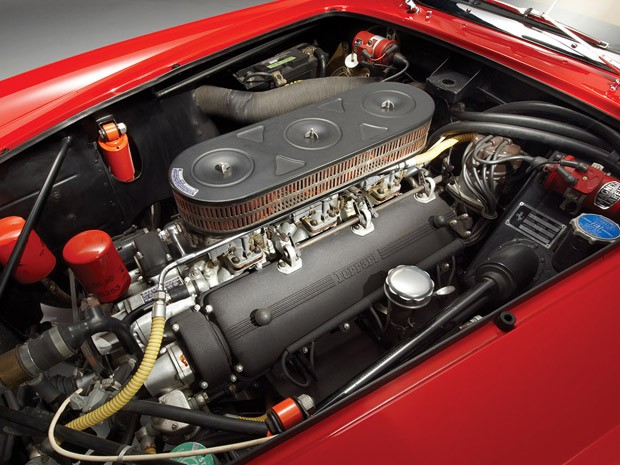 Motor Colombo 3.0 V12 da Ferrari 250 GT California Spyder, de 1962 (Foto: Divulga&#231;&#227;o)