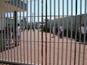Participantes aguardam para entrar na arena (Foto: G1/Gláucia Souza)