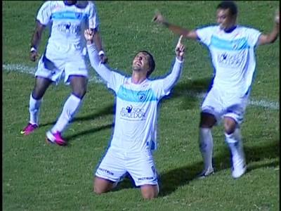 Dirceu comemora o gol do Londrina contra o Operário-PR (Foto: reprodução RPCTV)