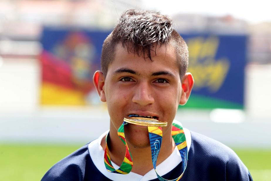 Argentino brilha no fut 7, recebe apelido de Messi Paralímpico, mas diz preferir Neymar