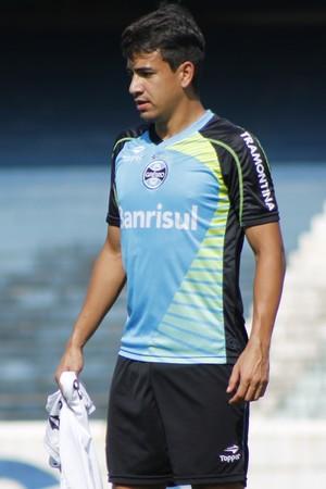 Saimon retorna aos treinamentos no Grêmio (Foto: Diego Guichard)