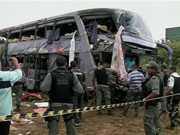 Acidente Ônibus Ceará Belém Belenenses Morreram Mortos Feridos Sobral (Foto: Reprodução/TV Liberal)