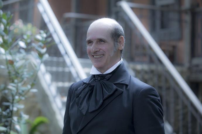 Ruben Gabira dá vida ao mordomo Schultz, que serve a Wolfgang, papel de Jonas Bloch (Foto: Ellen Soares/ Gshow)