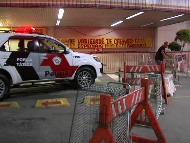 Falsa bomba assusta moradores e esvazia mercado em Várzea Paulista (Foto: Reprodução/TV TEM)