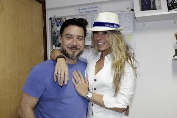 Adriane Galisteu e Alexandre Iódice (Foto: Isac Luz/EGO)