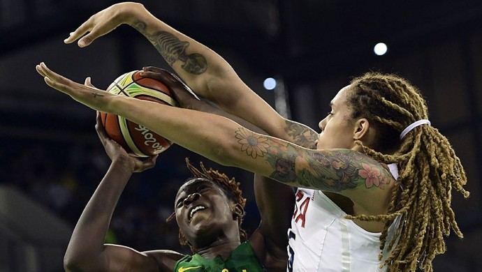 Estados Unidos x Senegal; basquete feminino; olimpíada 2016 (Foto: AVIER SORIANO/AFP/Getty Images)