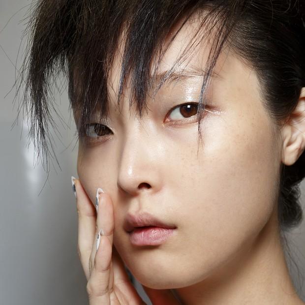 Pele hidratada e protegida é promessa dos probióticos faciais (Foto: ImaxTree)