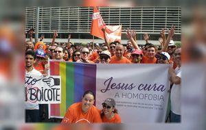 'Papo' conversa com pastor que criou página 'Jesus cura a homofobia'