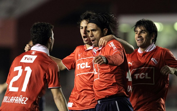 Fabián Vargas gol Independiente (Foto: EFE)