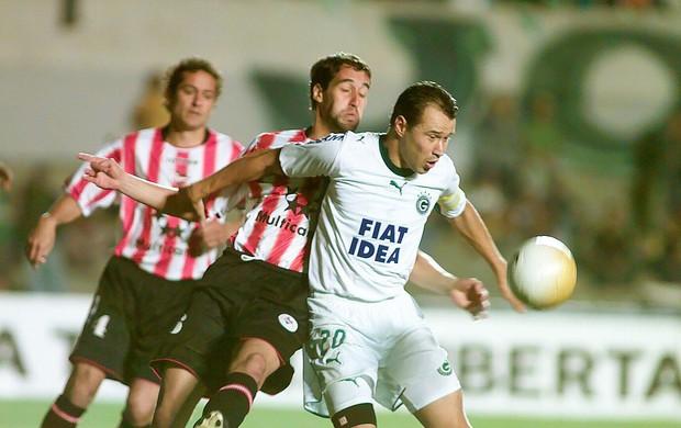 Romerito, pelo Goiás, Libertadores 2006, Estudiantes (Foto: Lailson Duarte/O Popular)