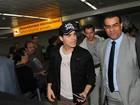 Paul Wesley, de 'Vampire Diaries', chega ao Brasil para evento de grife