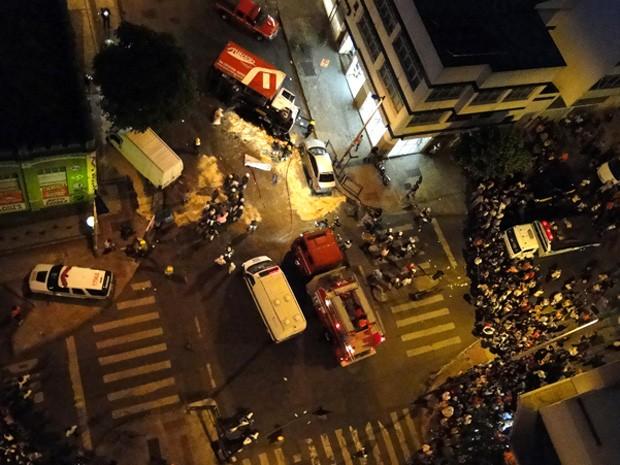 Grave acidente interditou a Rua São Paulo (Foto: Pedro Cunha/G1)