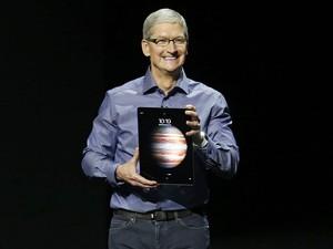 O presidente da Apple, Tim Cook, apresenta o novo modelo do tablet iPad, o iPad Pro, durante evento em San Francisco, na Califórnia (EUA) (Foto: Beck Diefenbach/Reuters)