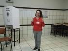 Candidata ao governo de SC, Marlene Soccas vota em colégio de Cricúma