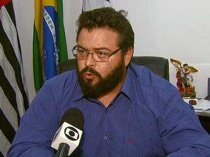 Prefeito de Àguas da Prata,  Carlos Henrique Fortes Dezena (DEM) (Foto: Eder Ribeiro/EPTV)