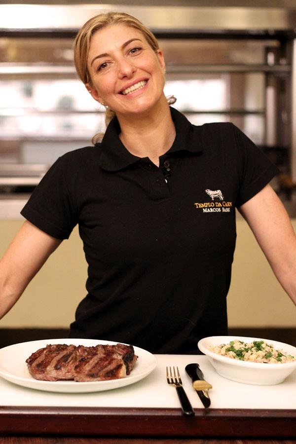 Tatiana Bassi ensina a preparar carnes (Foto: Divulgação)