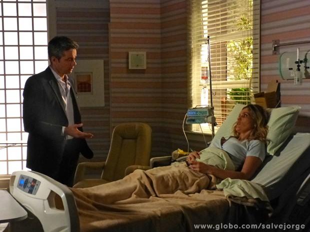 Se sentindo culpado, Haroldo pede para levar Érica em casa (Foto: Salve Jorge/TV Globo)