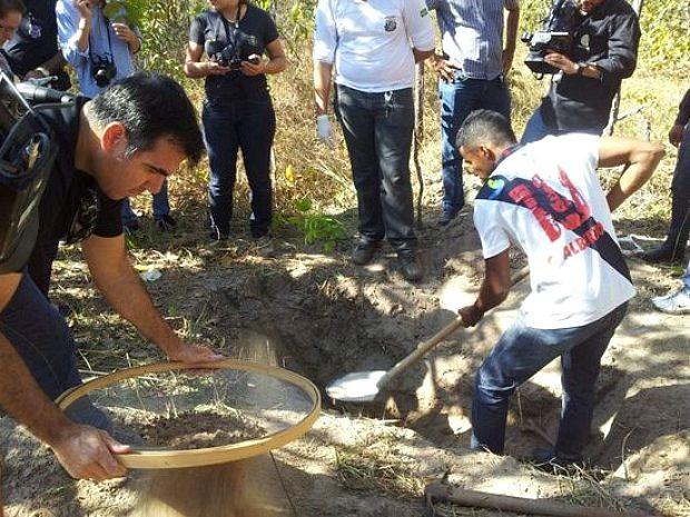 Ossadas foram encontradas em regi�o de mata nesta quarta (19). (Foto: Portal Sorriso/site)