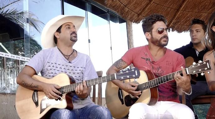 """Edson & Hudson trazem sucessos como """"Azul"""" e """"O Bicho Vai Pegar"""" ao musical Estrelas (Foto: reprodução EPTV)"""