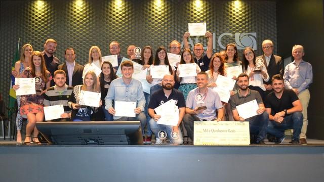 Vencedores Prêmio Acic de Jornalismo 2016 (Foto: Acic/Divulgação)