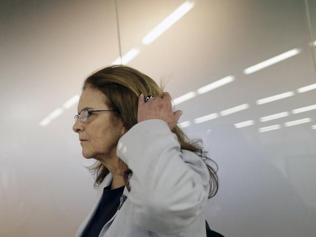 Presidente-executiva da Petrobras, Graça Foster, chega a aeroporto de Brasília após encontro com a presidente Dilma Rousseff. (Foto: Reuters/Ueslei Marcelino )